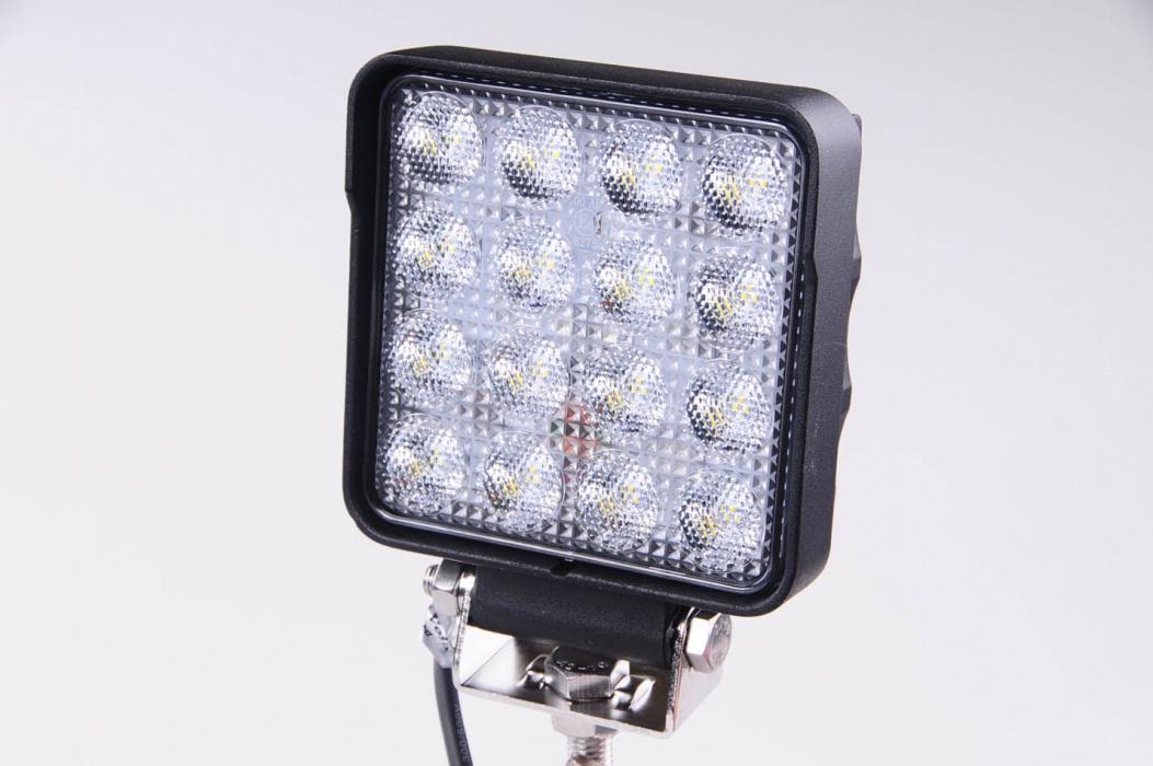 Couvací LED světlomet 12-24V, 3040lm A2024