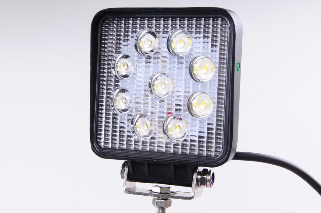 Pracovní LED světlomet 10-30V A2002
